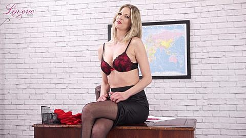 leah-sex-in-his-office-110